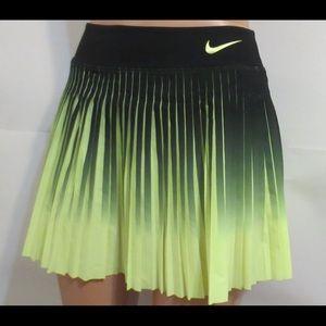 NWOT Nike Skort/ Skirt 🎾🏌🏼♀️